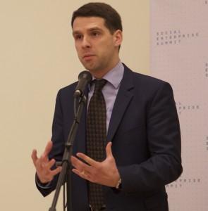 Ūkio viceministras G. Onaitis sako kalbą