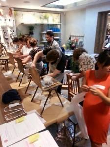 Petit Miracle Interiors jaunuoliai dirba